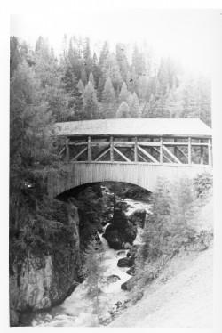 Loose plank bridge