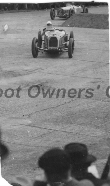 Straight-8 Grand Prix Talbot-Darracq, 1926, racing at Brooklands.